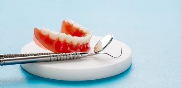 مراقبت از دندان مصنوعی با چکاپ منظم دندان ها