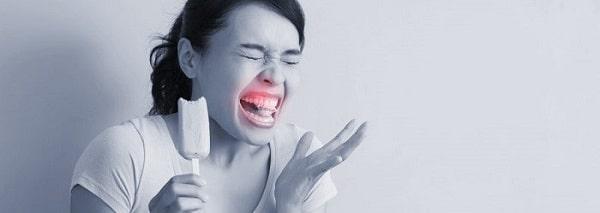 علت حساس شدن دندان به سرما یا گرما